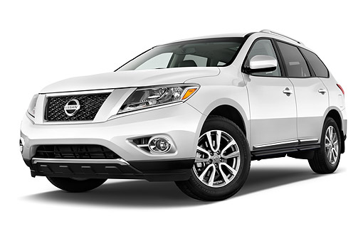 AUT 50 IZ0966 01 © Kimball Stock 2015 Nissan Pathfinder SL 2WD 5-Door SUV 3/4 Front View In Studio
