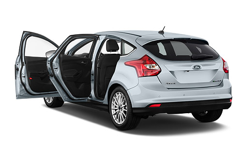 AUT 50 IZ1082 01 © Kimball Stock 2014 Ford Focus BEV Electric 5-Door Hatchback 3/4 Rear View In Studio
