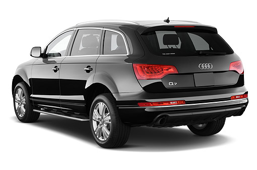 AUT 51 IZ0119 01 © Kimball Stock 2015 Audi Q7 3.0 TDI Quattro Tiptronic Premium 5-Door SUV 3/4 Rear View In Studio