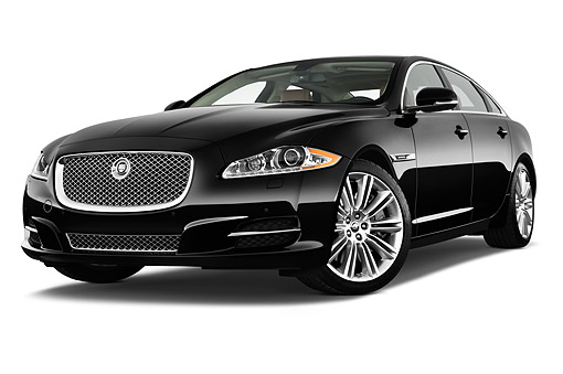 AUT 51 IZ0399 01 © Kimball Stock 2015 Jaguar XJ Series XJL Supercharged 4-Door Sedan 3/4 Front View In Studio