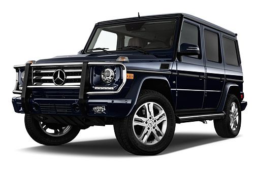 AUT 51 IZ0476 01 © Kimball Stock 2015 Mercedes Benz G-Class G550 5-Door SUV 3/4 Front View In Studio