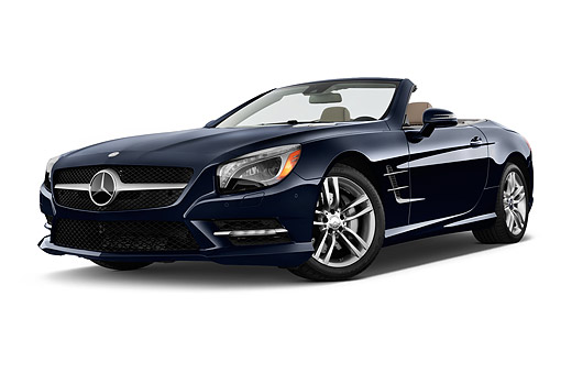 AUT 51 IZ0504 01 © Kimball Stock 2015 Mercedes Benz SL-Class SL550 2-Door Roadster Low 3/4 Front View In Studio