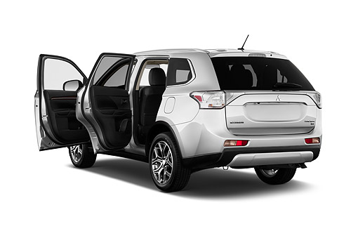 AUT 51 IZ0577 01 © Kimball Stock 2015 Mitsubishi Outlander GT 4WD 5-Door SUV 3/4 Rear View In Studio