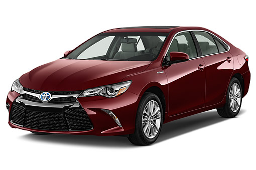 AUT 51 IZ0676 01 © Kimball Stock 2015 Toyota Camry 2.5 Auto SE Hybrid 4-Door Sedan 3/4 Front View In Studio