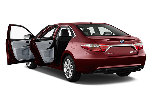 AUT 51 IZ0678 01 © Kimball Stock 2015 Toyota Camry 2.5 Auto SE Hybrid 4-Door Sedan 3/4 Rear View In Studio