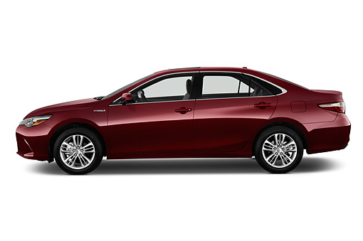 AUT 51 IZ0681 01 © Kimball Stock 2015 Toyota Camry 2.5 Auto SE Hybrid 4-Door Sedan Profile View In Studio