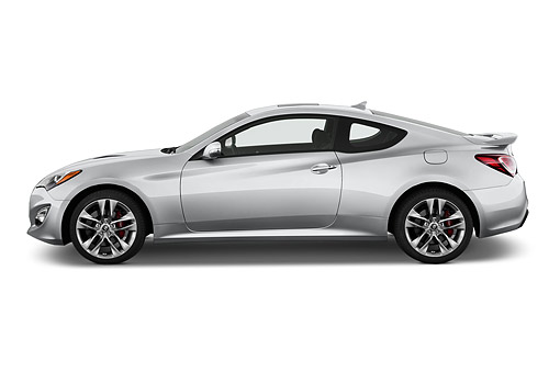 AUT 51 IZ2694 01 © Kimball Stock 2015 Hyundai Genesis Coupe 3.8t 8-Speed AT 2-Door Profile View In Studio