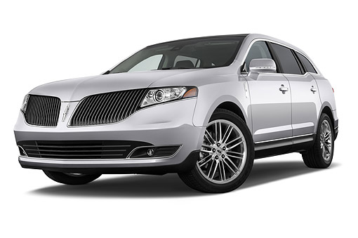AUT 51 IZ3048 01 © Kimball Stock 2015 Lincoln MKT FWD 5-Door Wagon 3/4 Front View In Studio