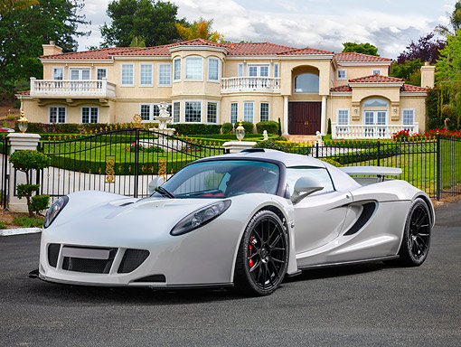 AUT 51 RK0059 01 © Kimball Stock 2015 Hennessey Venom GT White 3/4 Front View On Beach