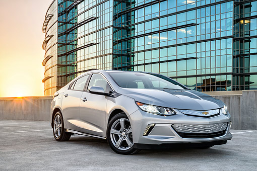 AUT 52 BK0001 01 © Kimball Stock 2016 Chevrolet Volt Silver 3/4 Front View By Building