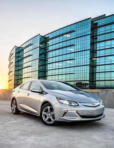 AUT 52 BK0002 01 © Kimball Stock 2016 Chevrolet Volt Silver 3/4 Front View By Building