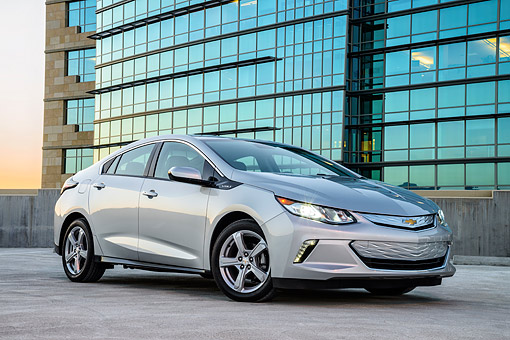 AUT 52 BK0004 01 © Kimball Stock 2016 Chevrolet Volt Silver 3/4 Front View By Building