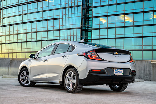 AUT 52 BK0005 01 © Kimball Stock 2016 Chevrolet Volt Silver 3/4 Rear View By Building