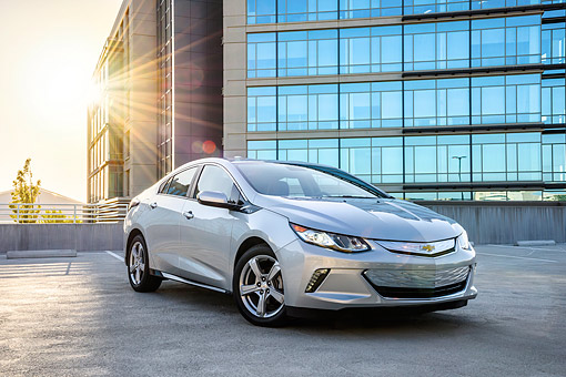 AUT 52 BK0006 01 © Kimball Stock 2016 Chevrolet Volt Silver 3/4 Front View By Building