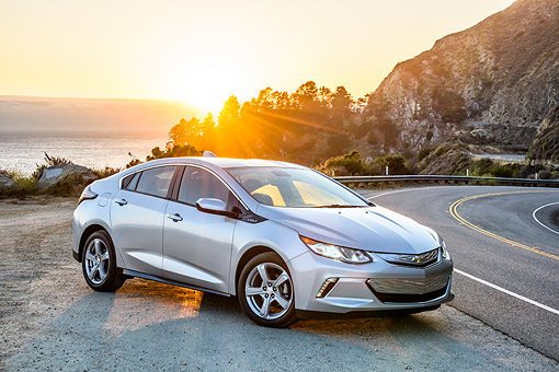 AUT 52 BK0011 01 © Kimball Stock 2016 Chevrolet Volt Silver 3/4 Front View By Road