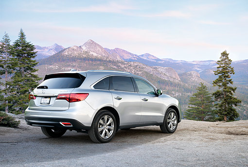 AUT 52 BK0035 01 © Kimball Stock 2016 Acura MDX SH-AWD Silver 3/4 Rear View By Mountains
