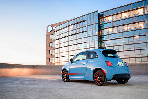 AUT 52 BK0040 01 © Kimball Stock 2016 Fiat 500E All-Electric Hatchback Blue 3/4 Rear View By Building