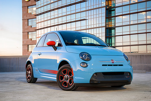 AUT 52 BK0041 01 © Kimball Stock 2016 Fiat 500E All-Electric Hatchback Blue 3/4 Front View By Building