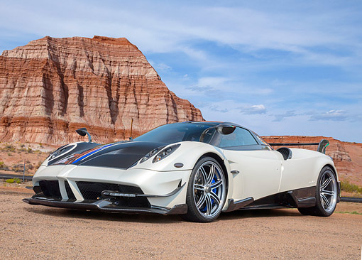 AUT 53 RK0008 01 © Kimball Stock 2017 Pagani Huayra BC White And Black 3/4 Front View In Desert