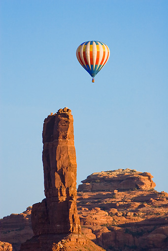 BAL 01 RW0002 01 © Kimball Stock Hot Air Balloon Flying By Desert Mountain