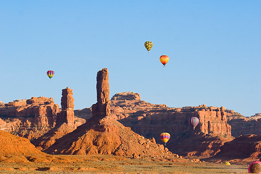BAL 01 RW0004 01 © Kimball Stock Hot Air Balloons Flying By Desert Mountain