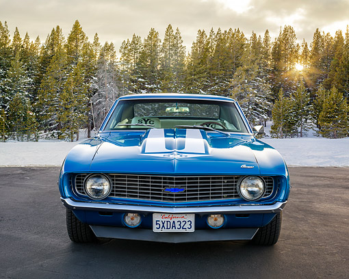 CAM 03 RK0279 01 © Kimball Stock 1969 Chevrolet Camaro Yenko 427 Blue Front View By Snow And Forest