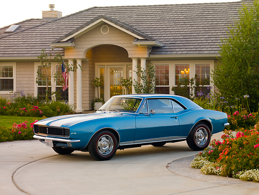 CAM 03 RK0172 01 © Kimball Stock 1967 Chevrolet Camaro Z-28 RS Blue 3/4 Front View By House