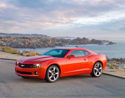CAM 04 RK0118 01 © Kimball Stock 2010 Chevrolet Camaro RS Red 3/4 Front View By Ocean