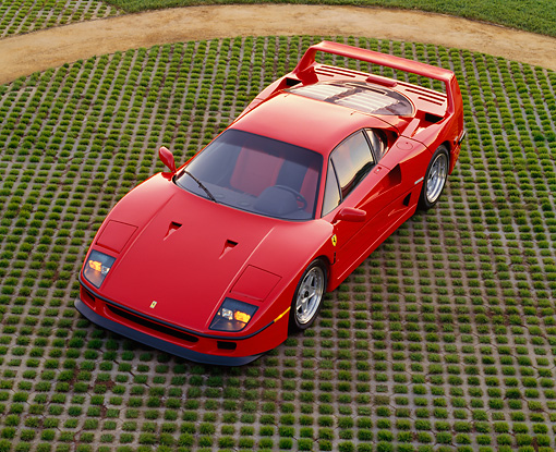 FRR 06 RK0027 07 © Kimball Stock 1994 Ferrari F-40 Red Overhead 3/4 Front View On Grass