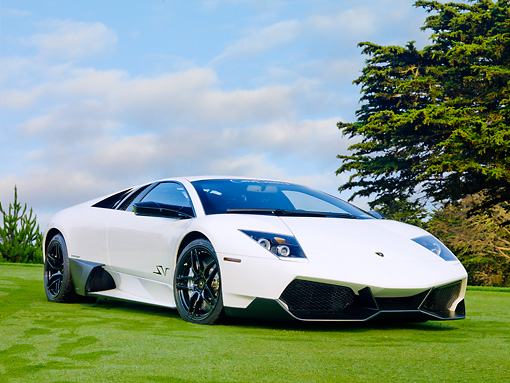 LAM 01 BK0002 01 © Kimball Stock 2010 Lamborghini Murci�lago LP670-4 SuperVeloce White 3/4 Front View On Grass