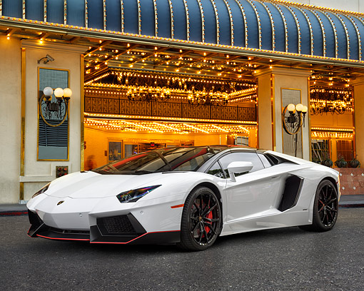 LAM 01 RK0818 01 © Kimball Stock 2015 Lamborghini Aventador LP 700-4 Pirelli Edition 3/4 Front View By Building