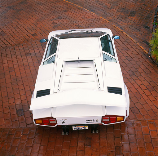 LAM 01 RK0301 03 © Kimball Stock Lamborghini Countach White Overhead On Pavement