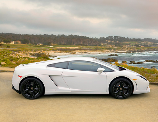 LAM 01 RK0681 01 © Kimball Stock 2008 Lamborghini Gallardo LP560-4 White Profile View By Ocean