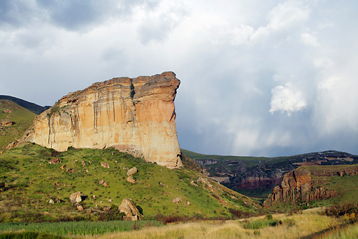 LAN 01 HP0013 01 © Kimball Stock Cliffs In Golden Gate Highlands National Park, South Africa