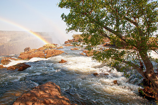 LAN 01 MC0004 01 © Kimball Stock Rainbow In Victoria Falls Zambia, Botswana, South Africa