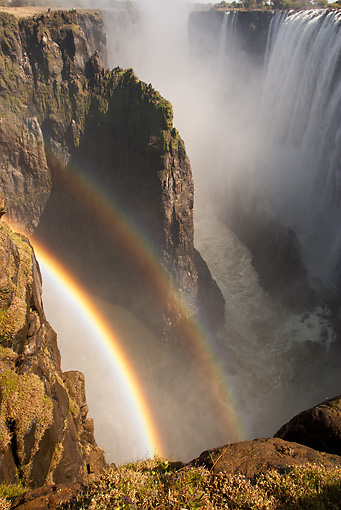 LAN 01 MC0006 01 © Kimball Stock Rainbow In Victoria Falls Zambia, Botswana, South Africa