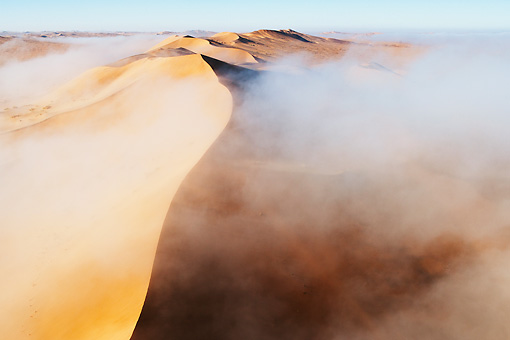LAN 01 MH0029 01 © Kimball Stock Thick Fog From Atlantic Ocean Blanketing Dunes Namib Desert