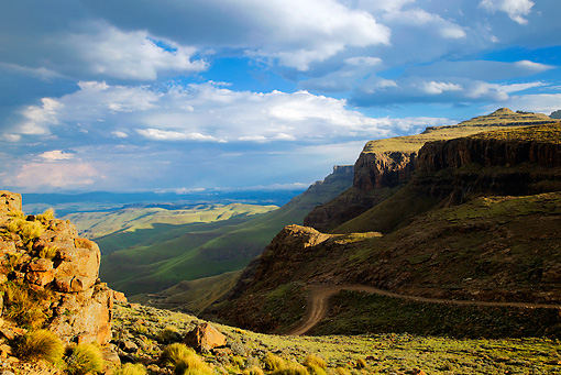 LAN 01 MH0097 01 © Kimball Stock Sani Pass Connecting Kwazulu-Natal And Lesotho In UKhahlamba Drakensberg Park, South Africa
