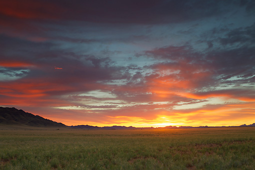 LAN 01 MH0111 01 © Kimball Stock NamibRand Nature Reserve At Sunrise In Southwestern Namibia