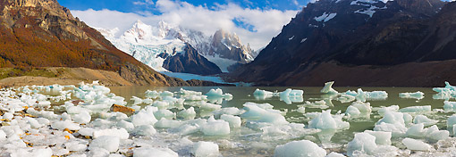 LAN 04 MH0047 01 © Kimball Stock Panoramic View Of Icy Glacier Waters Of Lago Torre By Cerro Torre Mountains In Patagonia, Argentina