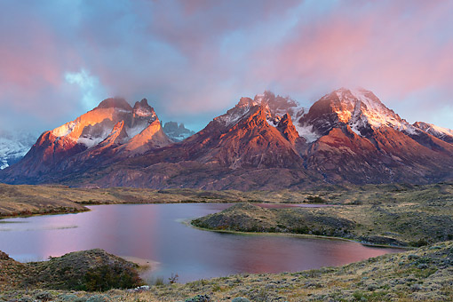 LAN 04 MH0052 01 © Kimball Stock Pink Light Over Torres Del Paine Peaks In Patagonia, Chile