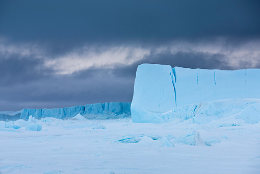LAN 06 KH0001 01 © Kimball Stock Pack Ice And Tabular Icebergs In Weddell Sea Antarctica