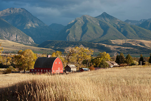 LAN 07 DS0008 01 © Kimball Stock Barn With Absaroka Mountains In Background At O'Hare Ranch In Paradise Valley, Montana