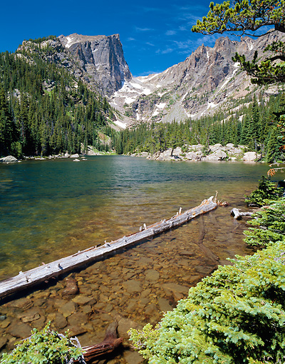 LAN 07 GR0036 01 © Kimball Stock Dream Lake And Hallet Peak In Summer At Rocky Mountain National Park, Colorado