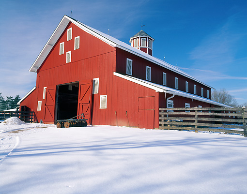 LAN 07 GR0094 01 © Kimball Stock Red Barn In Snow At Slate Run Living History Farm In Pickaway County, Ohio