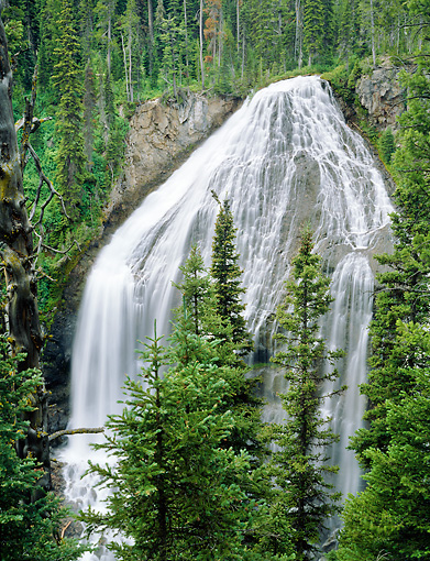 LAN 07 GR0122 01 © Kimball Stock Waterfall At Yellowstone National Park, Wyoming