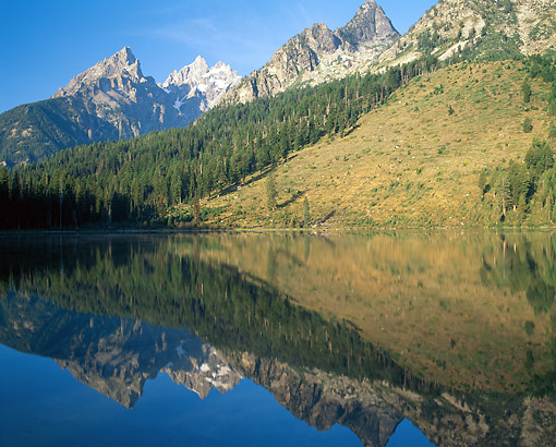 LAN 07 GR0138 01 © Kimball Stock String Lake, Grand Teton National Park, Wyoming