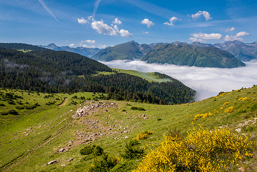 LAN 08 KH0094 01 © Kimball Stock View From Plateau De Beille In Pyrenees, France