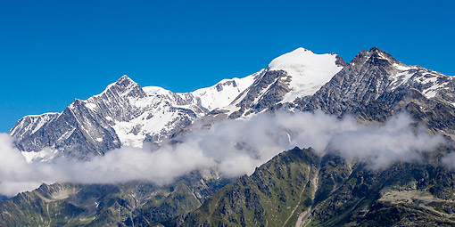 LAN 08 KH0141 01 © Kimball Stock Mont Blanc Massif Mountain Range In France
