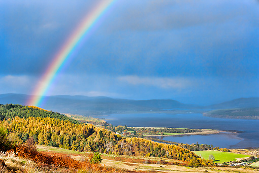 LAN 08 MH0008 01 © Kimball Stock Rainbow In Dornoch Firth, Scotland